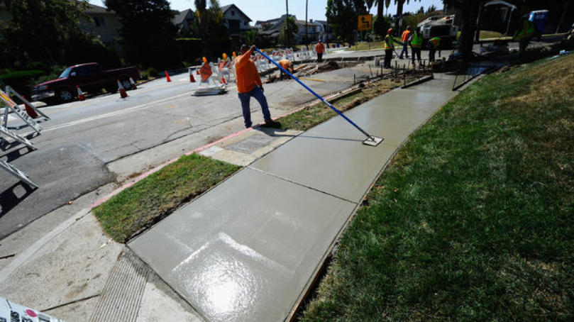 Benefits of Hiring Qualified Sidewalk Repair San Diego Contractor at Cheap Rates